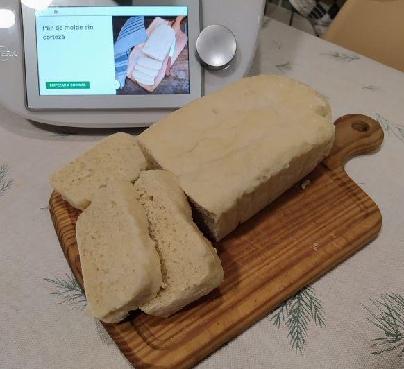 Pan de molde sin corteza al vapor